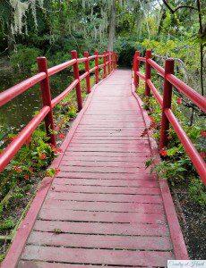 Rote Brücke Magnolia Gardens