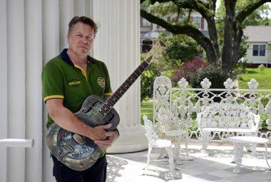Richie Arndt with Guitar